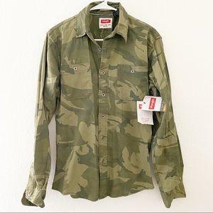 (NWT) Wrangler's | Slim Fit Flex Fit Camo Shirt